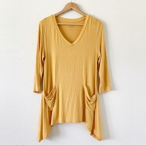 LOGO Yellow V-neck Tee with 3/4 Sleeves M